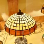 Asztali Tiffany lámpa különleges üveggel